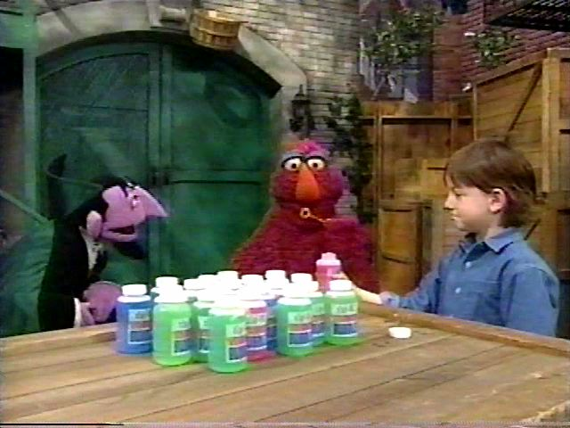 Sesame Street Memes furthermore You Fail At Trash Talking If besides Elmo's World  Wild Animals besides Episode 4416 together with Season 27  1995 1996. on oscar sesame street mom