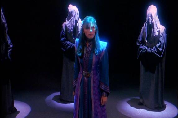Delenn stands before the grey council