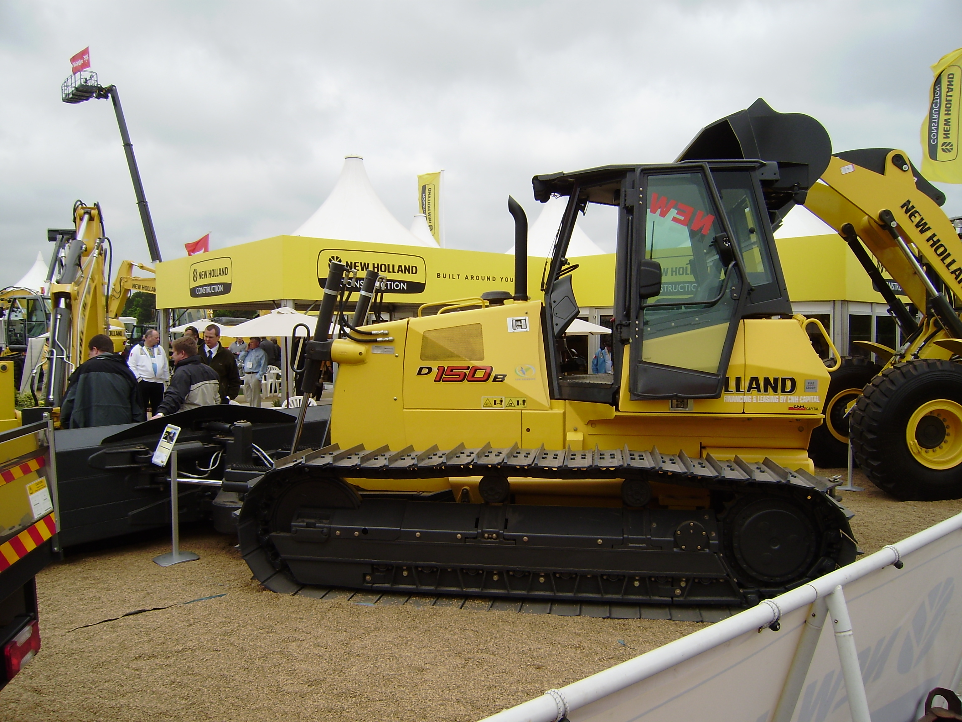 new holland construction tractor construction plant wiki the classic vehicle and machinery. Black Bedroom Furniture Sets. Home Design Ideas
