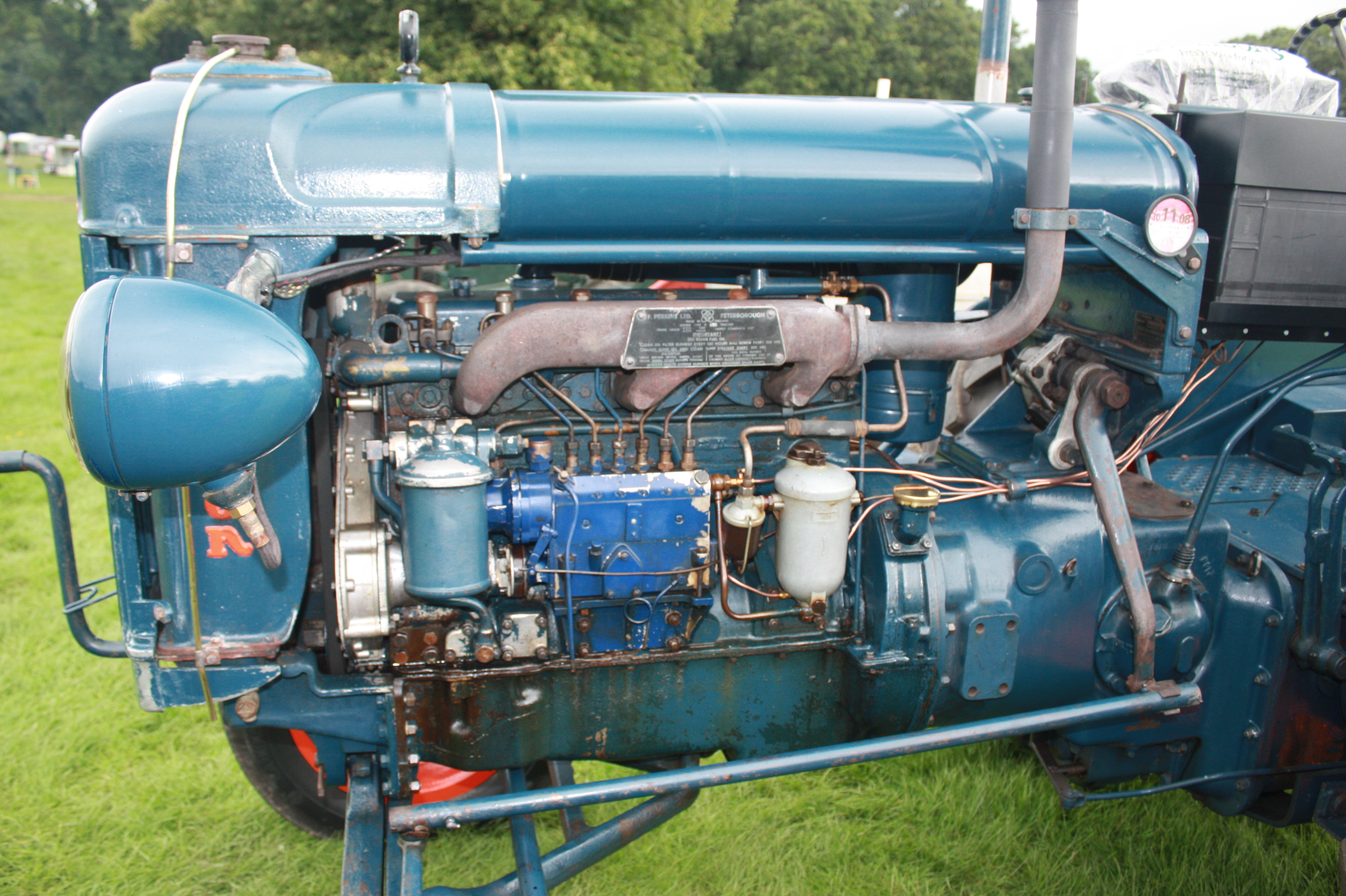 fordson dexta with Perkins on Farg 1l Fordson Gran additionally T1765 Diferencias Entre Ebro 160d Y 160e further File Fordson Dexta p2 besides 1962 1970 in addition 932838.