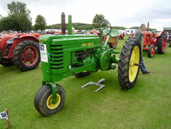 John Deere model B at Lincoln P8170570