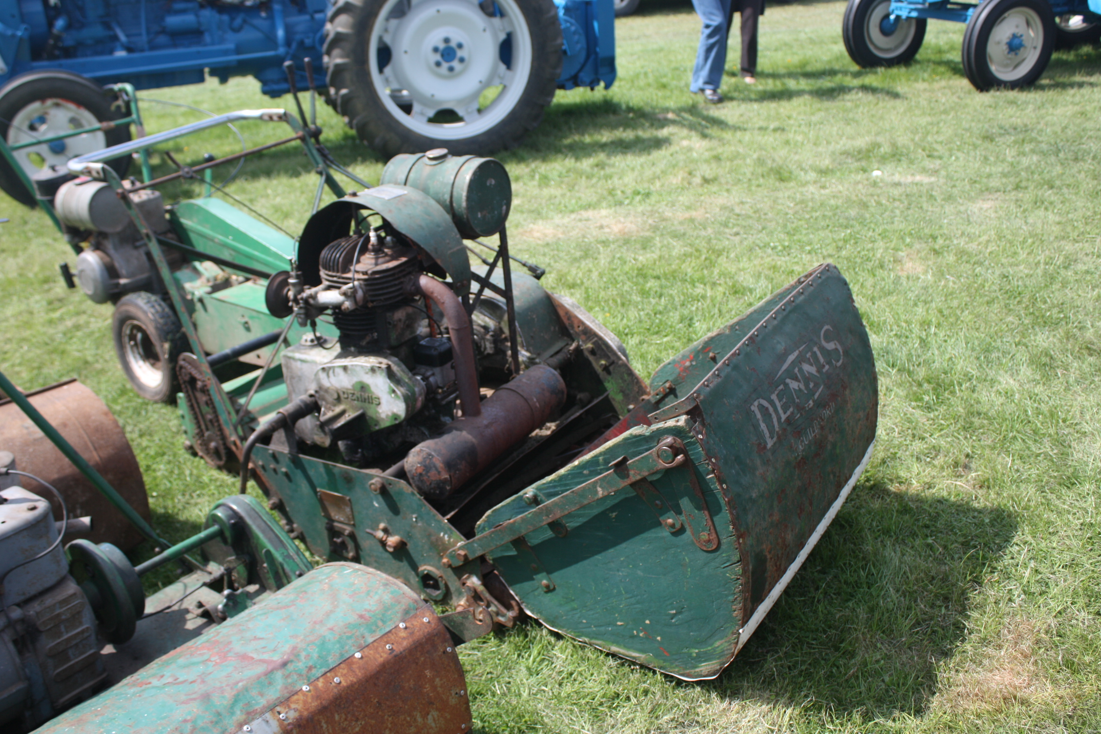 Lawn Mowers Tractor Amp Construction Plant Wiki The