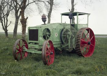 Mogul tractor 12-25 sn F 1639 at science museum - 1982-976