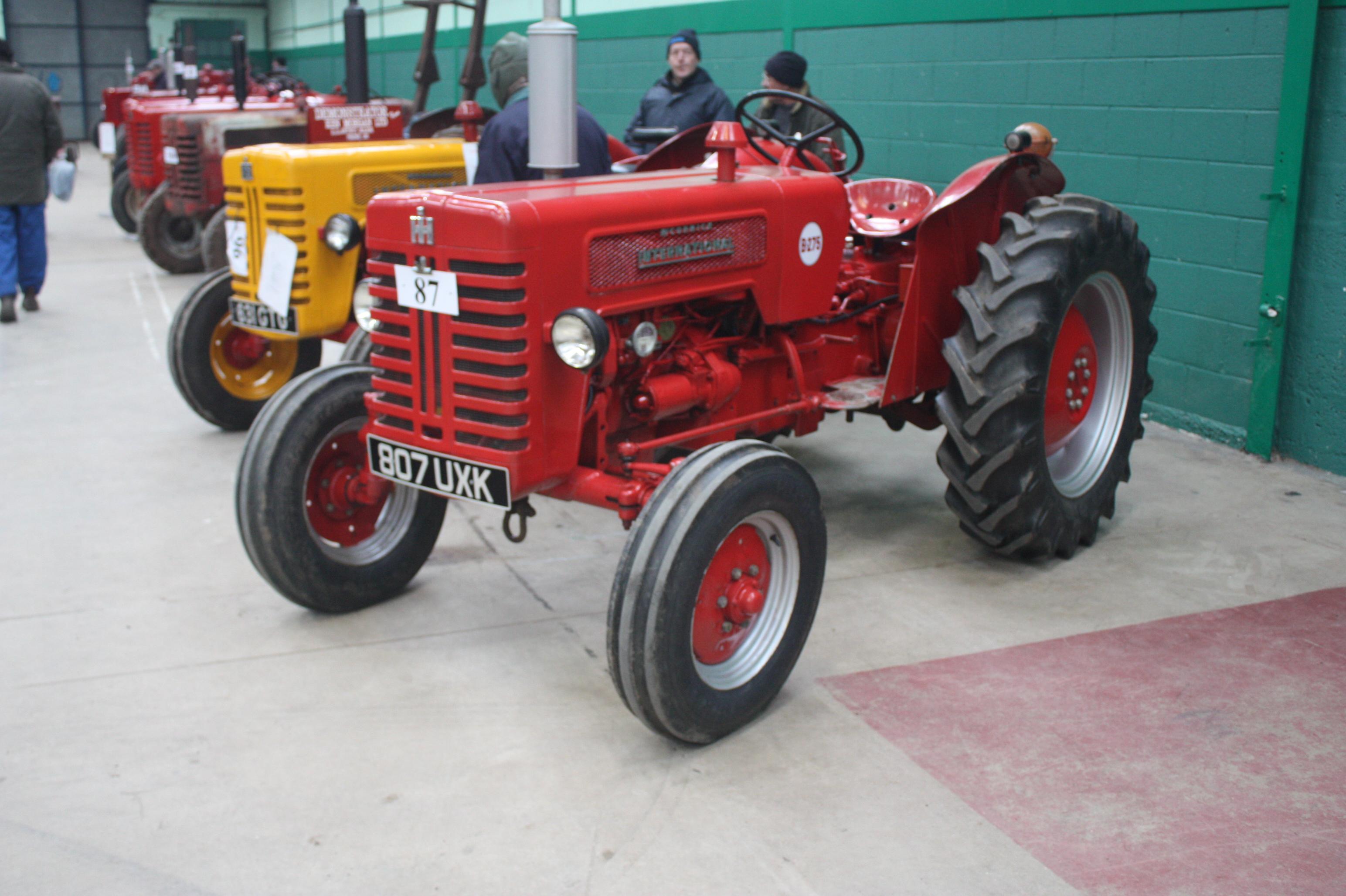1960 340 International Utility Tractor : International b tractor construction plant wiki
