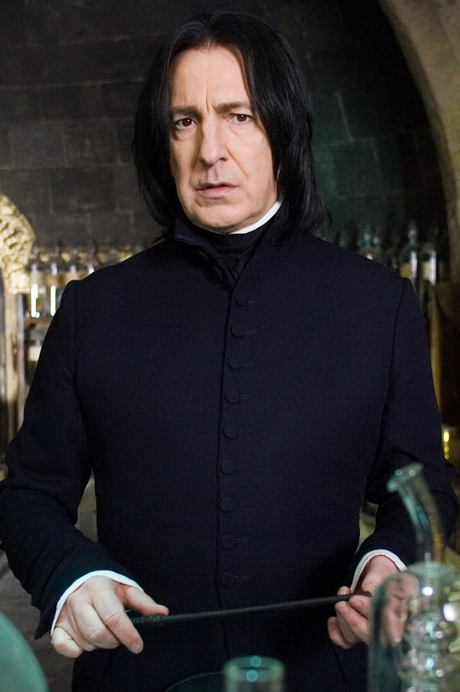 http://img2.wikia.nocookie.net/__cb20100220113012/harrypotter/no/images/a/a3/Severus_Snape.jpg