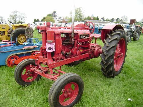Farmall F 12 : Farmall f tractor construction plant wiki the