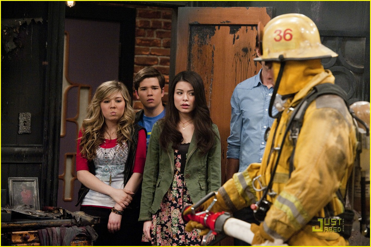 Sam And Cat Big Fight