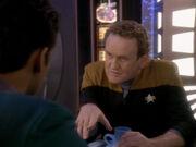Miles und Julian sprechen über Keikos Besuch