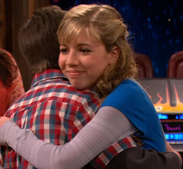 is sam and freddie dating in icarly