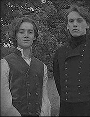 Jamie campbell bower young gellert grindelwald