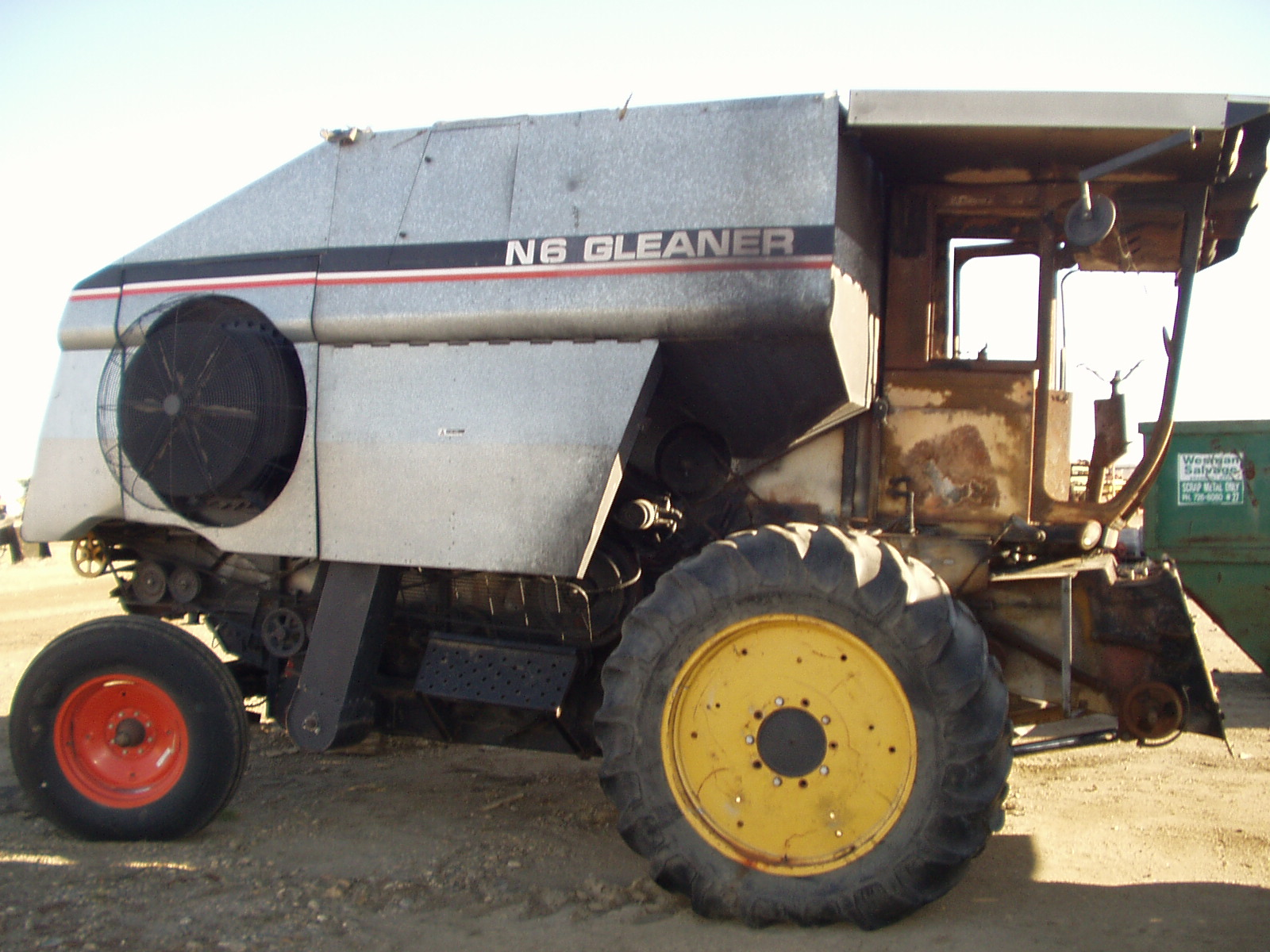 Gleaner E Combine : Allis chalmers gleaner n tractor construction plant