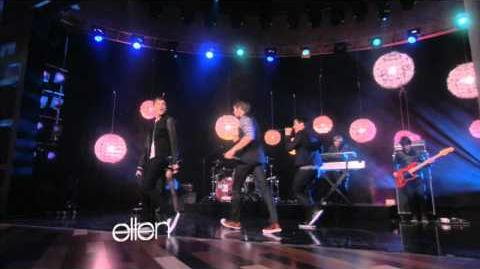 'Big Time Rush' Performs 'Music Sounds Better with U'