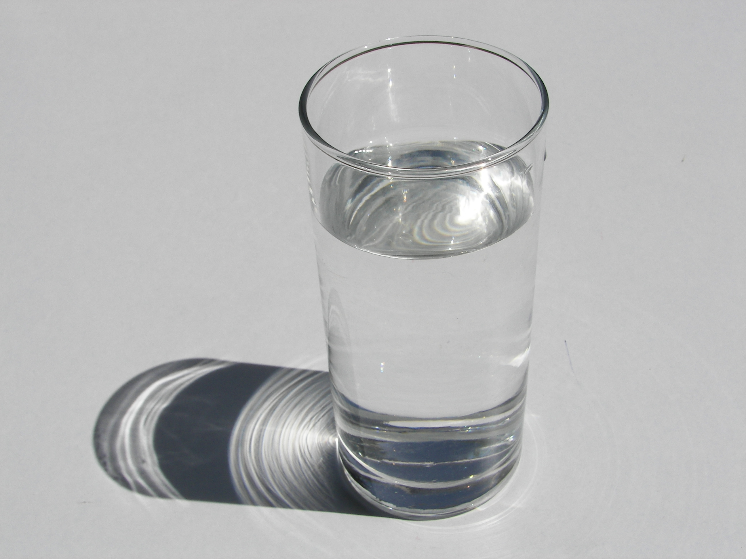 A glass of water creepypasta wiki for Water glass images