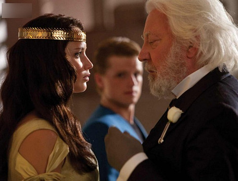 Katniss Everdeen - The Hunger Games Wiki Katniss Everdeen And Peeta Mellark Wedding
