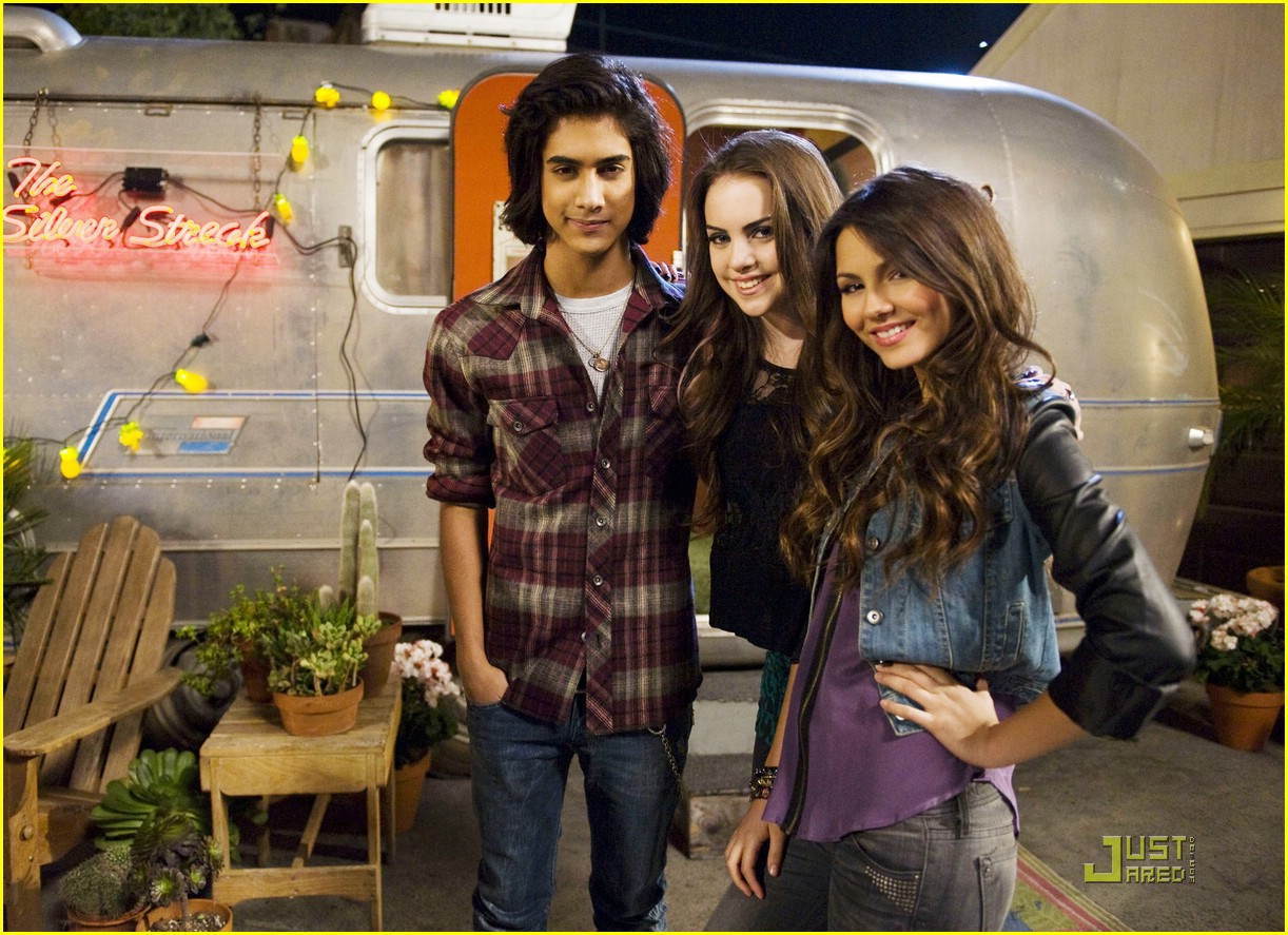 Beck & Tori s Love Story Chapter 3 Dating a victorious fanfic