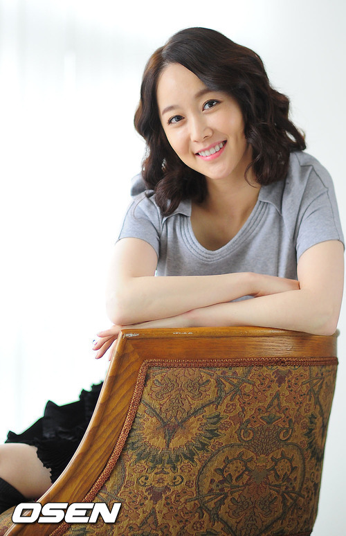 http://img2.wikia.nocookie.net/__cb20120624055630/drama/es/images/5/5a/Kim_Min_Seo23.jpg