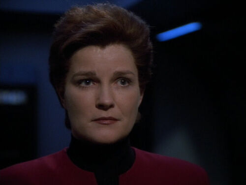 Love cameron mitchell cake ideas and designs for Mirror janeway