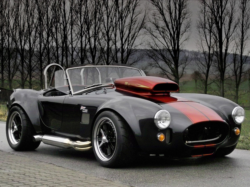 Ac-cobra-black-with-red