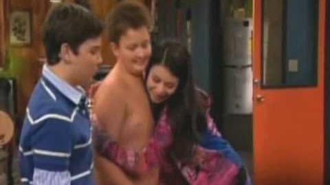 """""""Girlfriend""""-Carly Gibby Tasha"""
