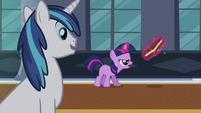Filly Twilight practicing magic S02E25