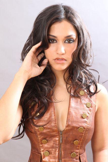 Janina Gavankar relationships