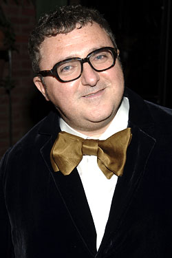 The 56-year old son of father (?) and mother(?), 172 cm tall Alber Elbaz in 2017 photo
