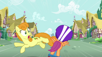 Golden Harvest jumping out of Scootaloo's path S3E6