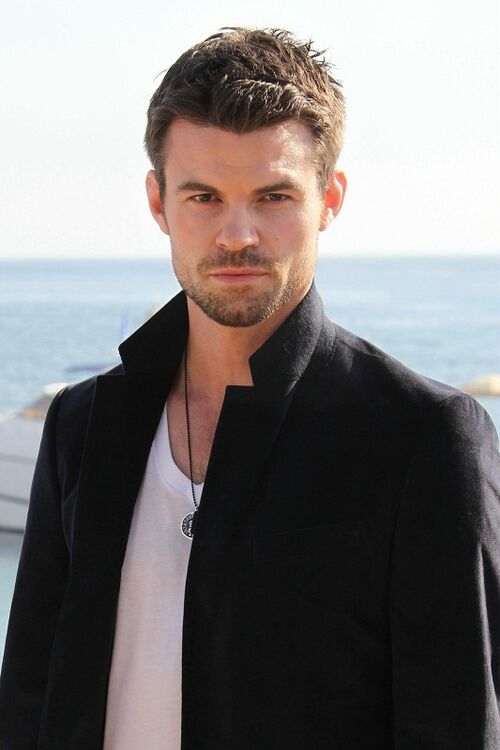 Daniel Gillies - The Vampire Diaries Wiki