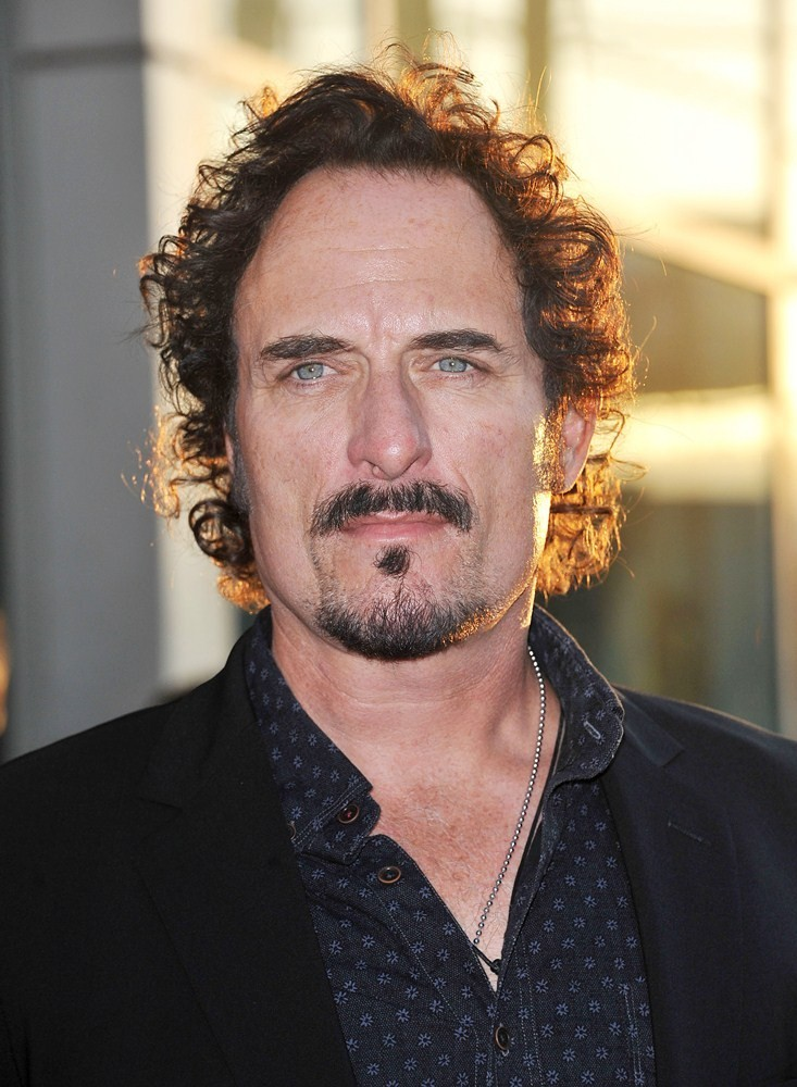 The 60-year old son of father (?) and mother(?), 188 cm tall Kim Coates in 2018 photo