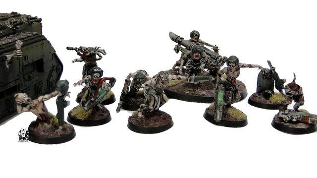 Archivo:Zombies guardia imperial caos nurgle.jpg