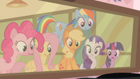 Rarity & Rainbow Dash astounded S2E13