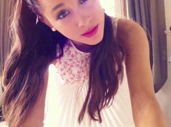 Ariana%27s_Easter_face,_2013.jpg