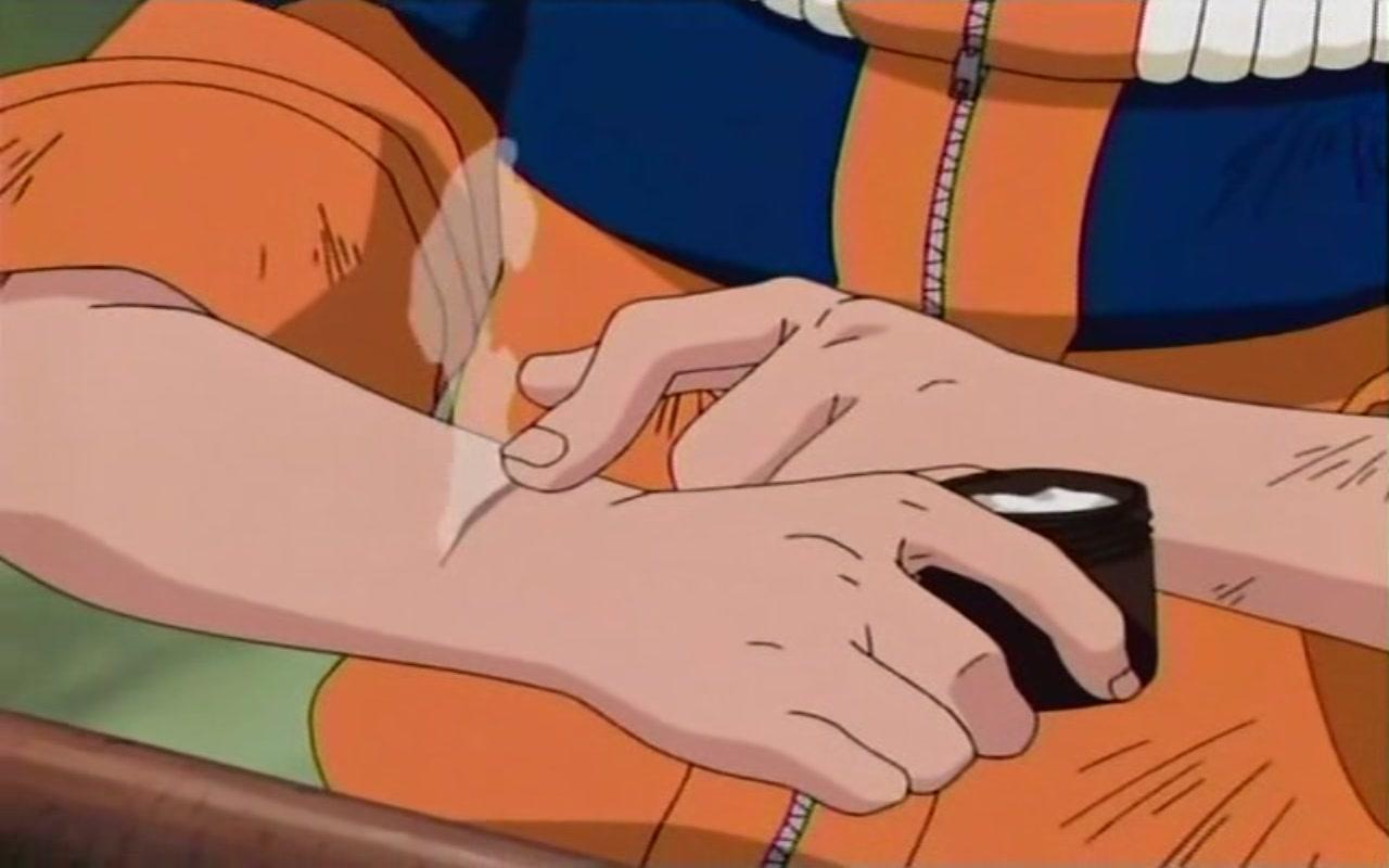 Hyuga Hinata Naruto_usando_a_pomada_de_Hinata