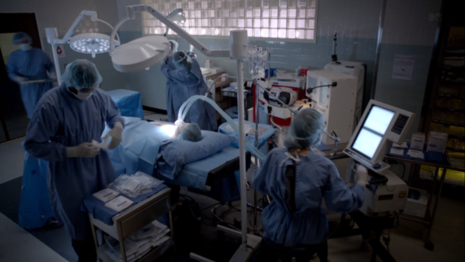 Nemocnica 670px-Teen_Wolf_Season_3_Episode_1_Beacon_Hills_Hospital_Surgical_Suite