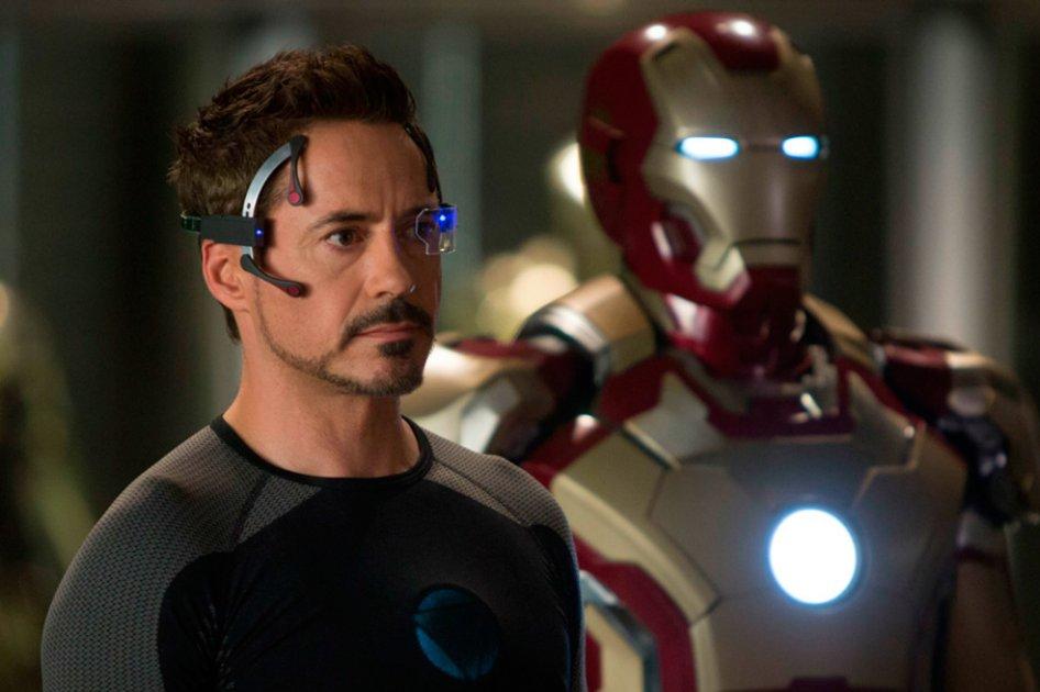Robert-Downey-Jr-Tony-Stark-Iron-Man-3-Marvel-Disney
