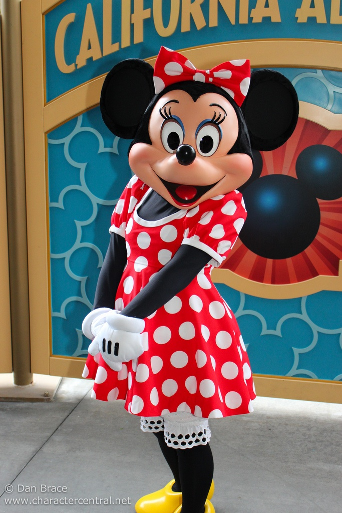 Minnie mouse disney wiki - Minni et mickey ...