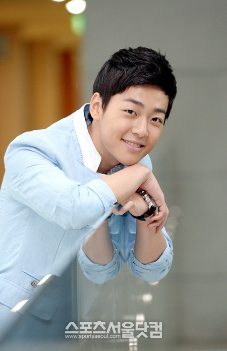 http://img2.wikia.nocookie.net/__cb20130720223447/drama/es/images/0/0a/No_Young_Hak19.jpg