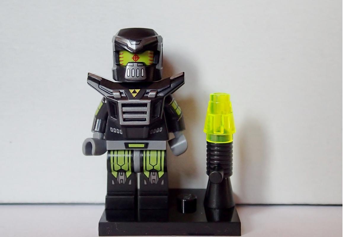 Evil Mech - Bri... Future Battle Helmet