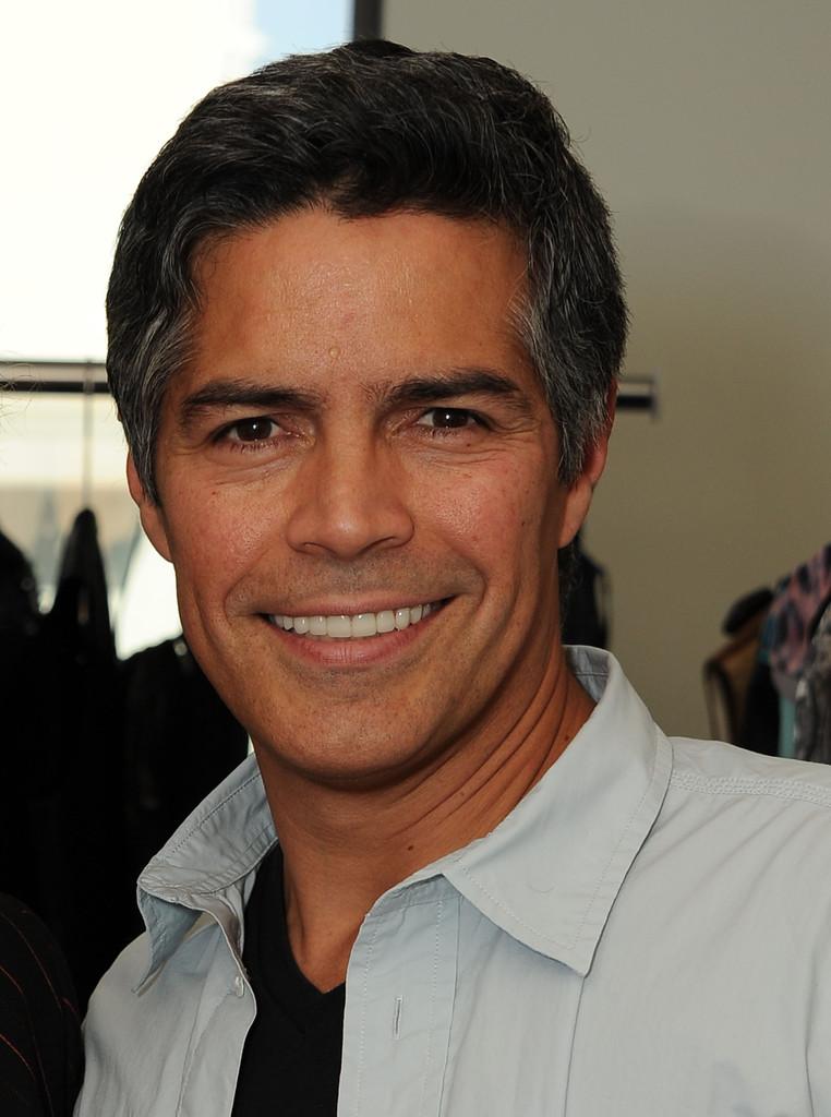 ACTOR  Esai Morales Mateo Morales Actor 2013