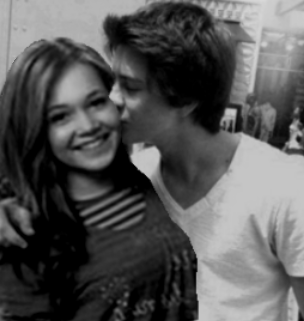 Billy Unger And Kelli Berglund Kissing Images & Pictures - Becuo