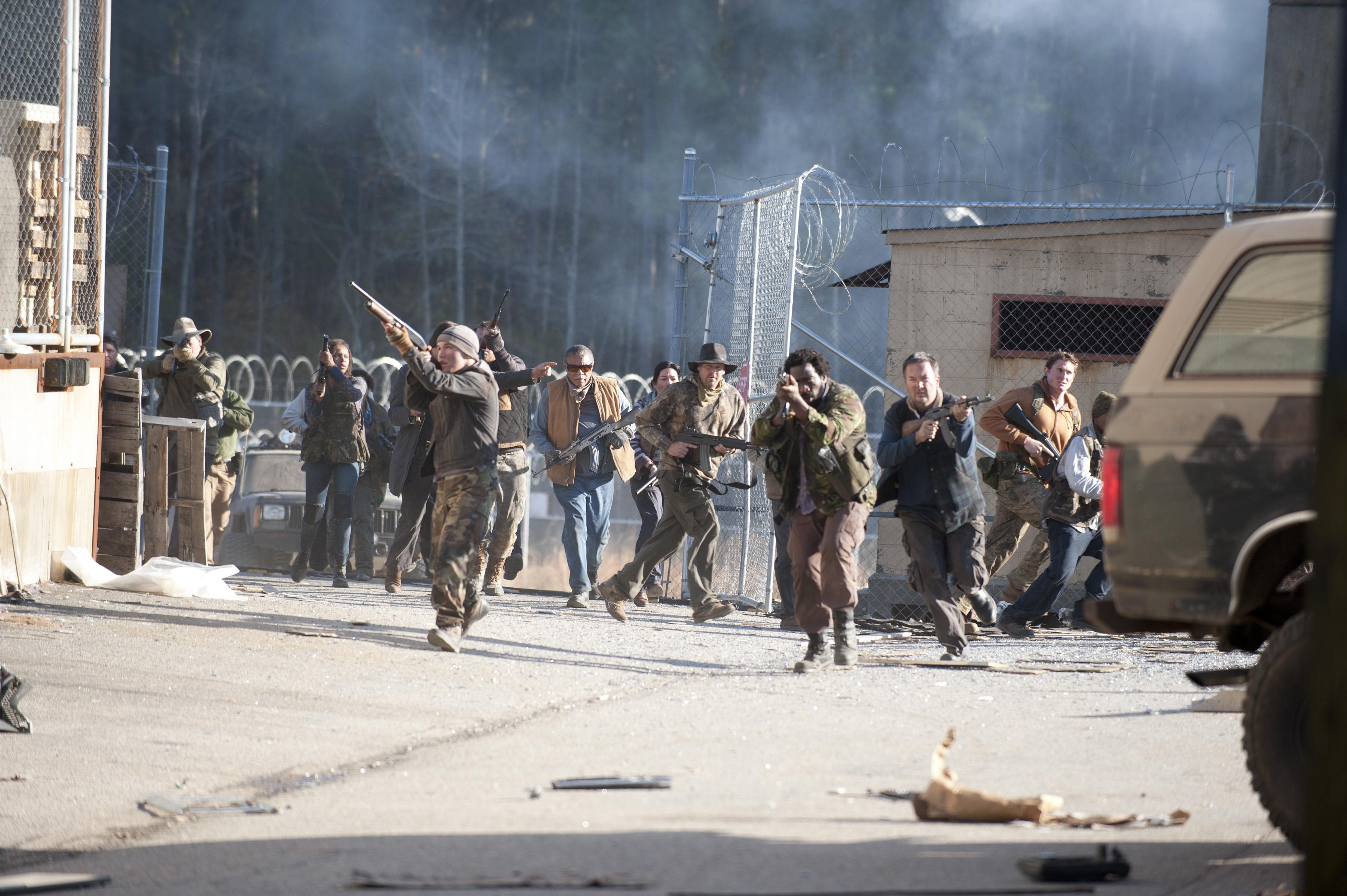 Woodbury Army Tv Series Walking Dead Wiki Wikia