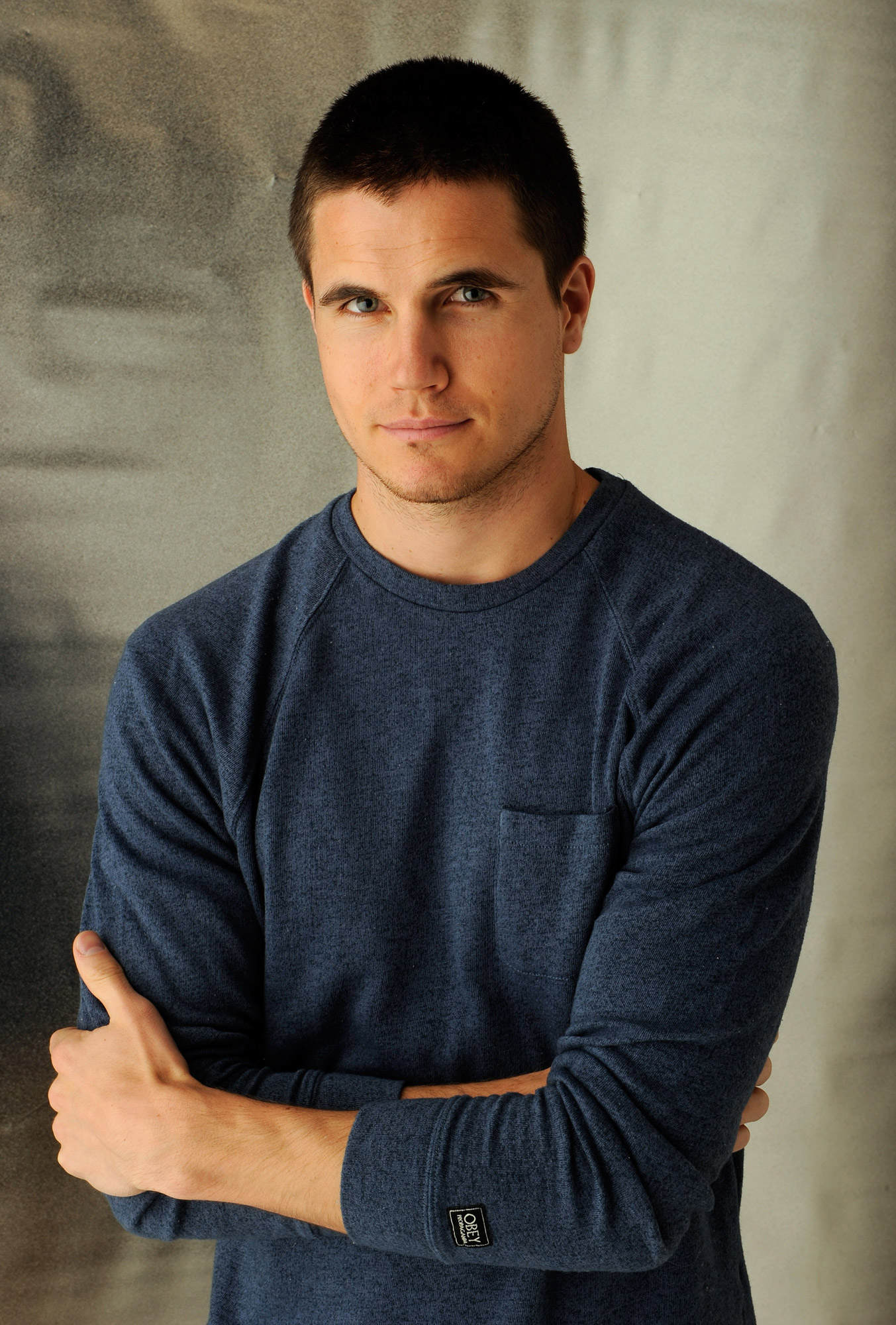 Robbie Amell | POPSUGAR Celebrity