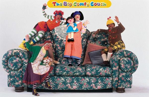 Image Big Comfy Couch Jpg Degrassi Wiki Wikia