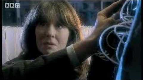 The return of Sarah Jane - Dr Who Confidential - BBC sci-fi