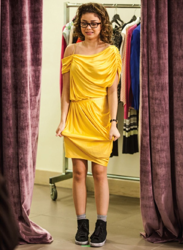 http://img2.wikia.nocookie.net/__cb20140101112421/vampireacademy/images/d/d5/Natalie_trying_on_dress.png