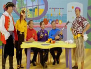 Wiggles captain feathersword and jeff as harry hula in tv series 7