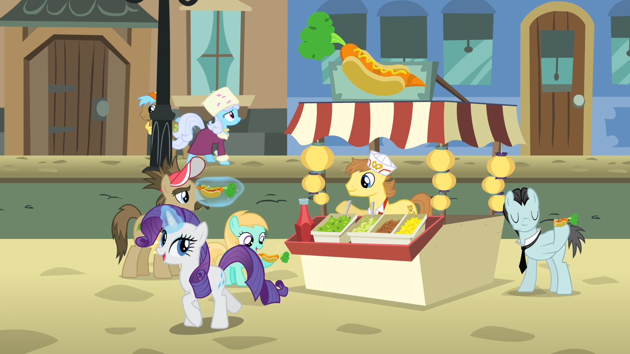 Rarity_buying_a_hot_dog_S4E08.png