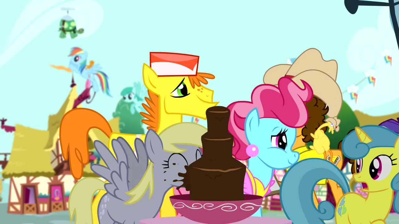 Derpy_drinking_from_chocolate_fountain_S
