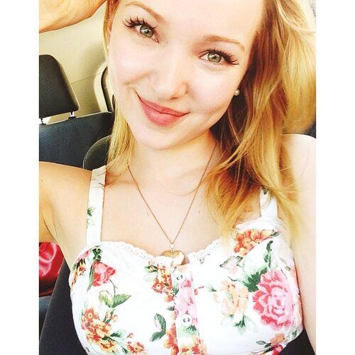 Image - Dove cameron instagram selfie qtnm7Rd8.sized.jpg ...  Image - Dove ca...
