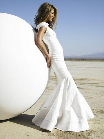 Image - Jennifer-aniston-wedding-dress-2013.jpg - Just Go With It Wiki